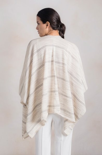 8d56a40fe KUNA Alpaca poncho RAMAGE for Ladies · KUNA Alpaca poncho RAMAGE for Ladies